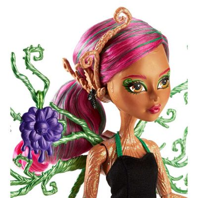 Monster-High-Garden-Ghouls-Papusa-Treesa-Thornwillow-3