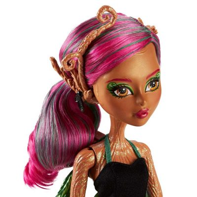 Monster-High-Garden-Ghouls-Papusa-Treesa-Thornwillow-4