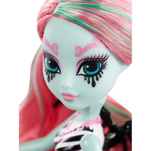 monster-high-figurina-Merry-Trotabout-2
