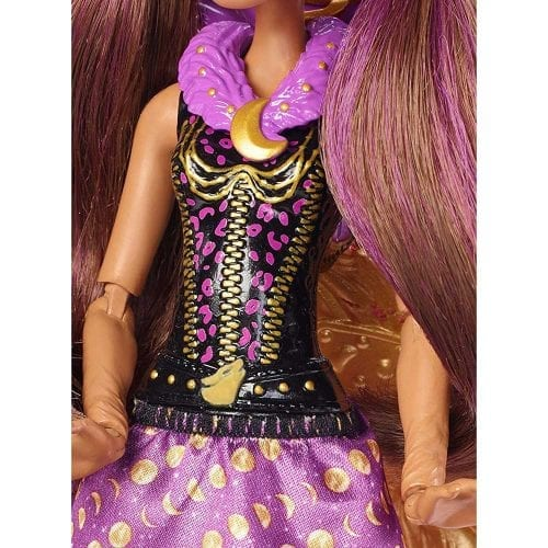 Papusa-Clawdeen-Wolf-Transformarea-Monster-High-Ghoul-To-Wolf-6